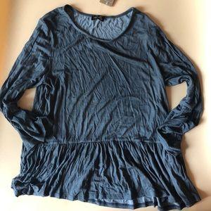 🎁3/$28 NEW Francesca's shirt